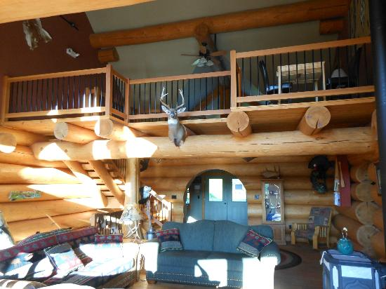 Bear Mountain Lodge: lodge