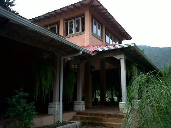 La Villa de Soledad B&B: Front