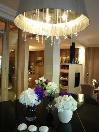 Hotel de Banville: entrance