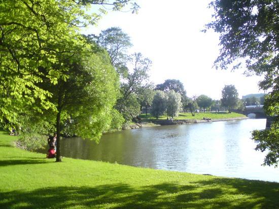Horticultural Gardens (Tradgardsforeningen): Götaälven..?