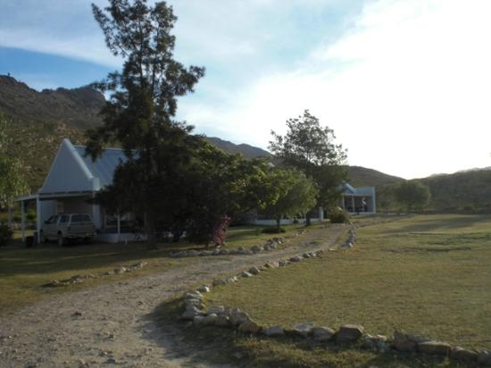 Good Hope Farm: mountain cottages in the morning