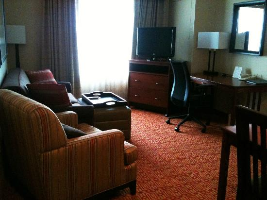 Homewood Suites by Hilton Anchorage: King 1 Bedroom Suite Living Room