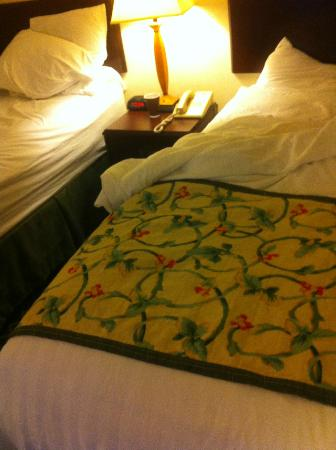 Fairfield Inn Orlando Airport: Bed