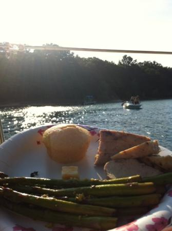 Two Brothers Sailing: Dinner at Power Island part of the great Island Cruise! reccomended!