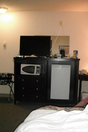 Battlefords Inn: room 115