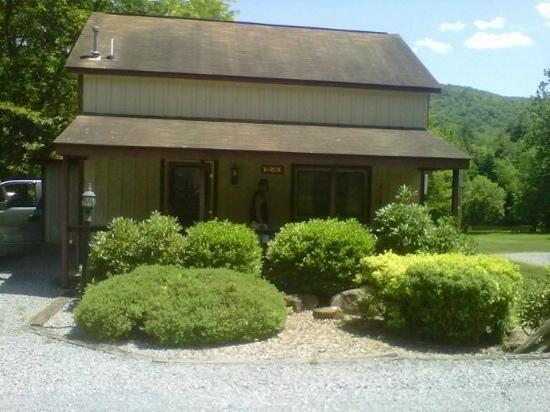 Rough Cut Lodge: Birch Cabin. where we stayed