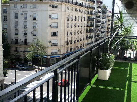 Trianon Residence Recoleta: Balcony (Callao and Av. Alvear)