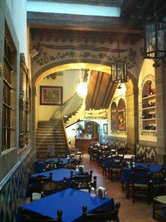 Cafe de Tacuba : acceso al 2do piso