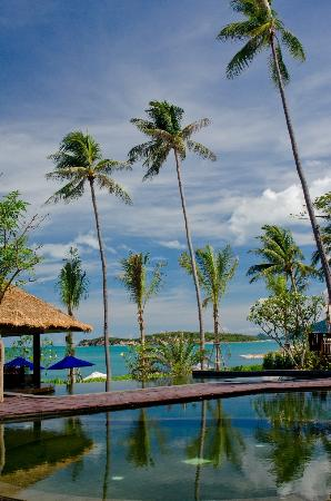 Outrigger Koh Samui Beach Resort: The Pool