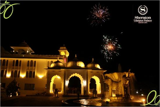 Radisson Blu Udaipur Palace Resort & Spa: This wedding season, have your dream destination wedding at Sheraton Udaipur, Resort and Spa!