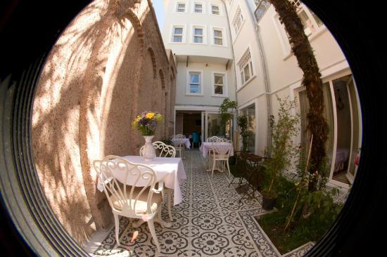 Ersari Hotel: garden