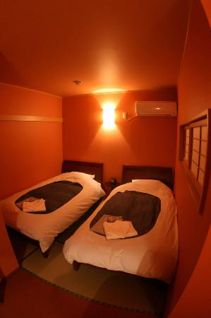 Chiyoda Inn : ツインルーム*バス・トイレ共同 (Twin room)*shared bath room and toilet