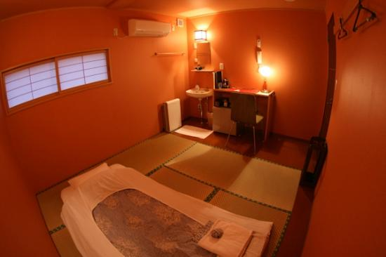 """Chiyoda Inn : """"和室A""""バストイレ共同(写真はシングル利用時) """"Japanese style room A""""(shared bathroom and toilet/for 1~2persons)"""