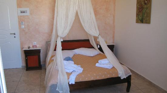 Alizea Villas & Suites: Superior room