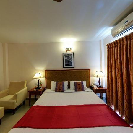 MGM Vailankanni Residency: Deluxe
