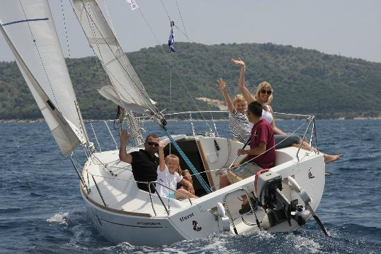 Day Sail Adventures : Having Fun On A Skippered Charter.