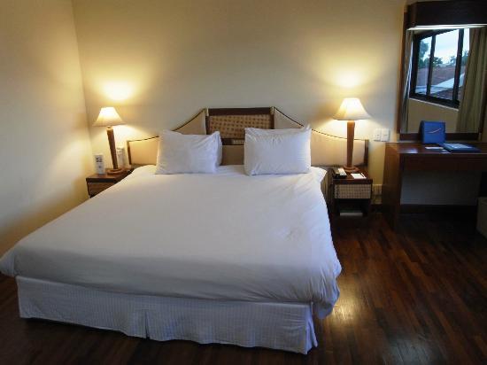 โรงแรม เมอร์เคียว เวียงจันทน์: room235