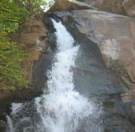 Bhawanipatna, India: Phurlijharan Fall