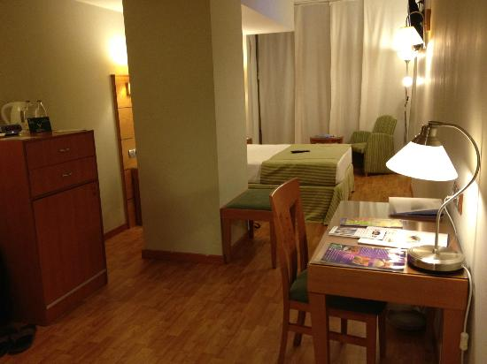 Cantur City Hotel: camera