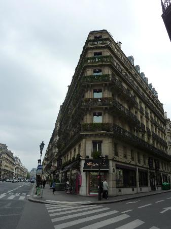 Hotel Edouard 7: Ave l'Opera to the left. Hotel entrance up the street from corner, hotel rooms face side street