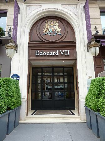 Hotel Edouard 7: Entrance - small but elegant