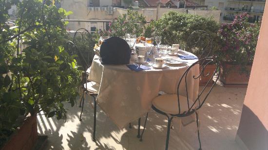 B&B Marina Mergellina: Colazione in terrazza