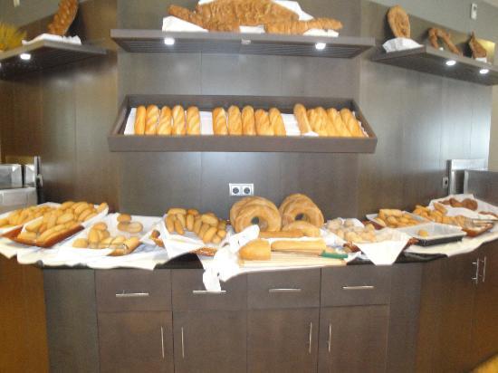 Protur Roquetas Hotel & Spa: great choice of bread