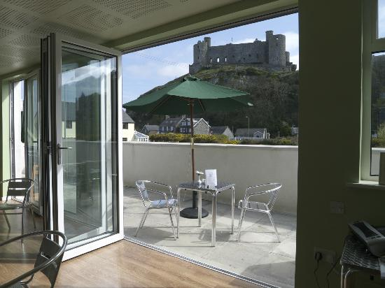 Harlech & Ardudwy Cafe: view from cafe and balcony