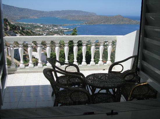 Adrakos Apartments: Uitzicht vanuit appartement