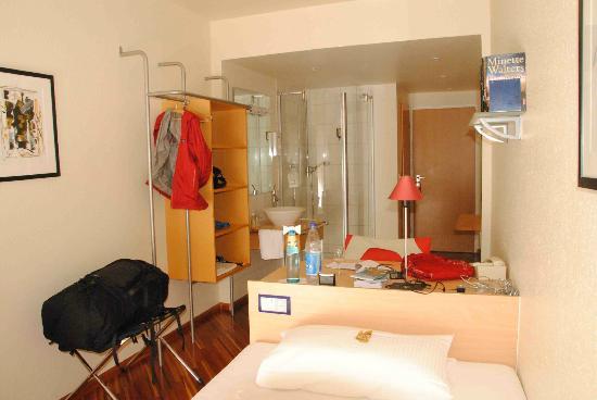 Hotel am Rathaus, single room