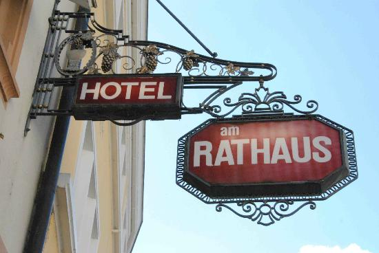 Hotel am Rathaus, sign in street