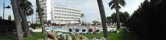 SuneoClub Haiti: View from pool