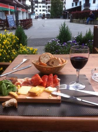 Monkey: charcuterie & fromage for aperitif