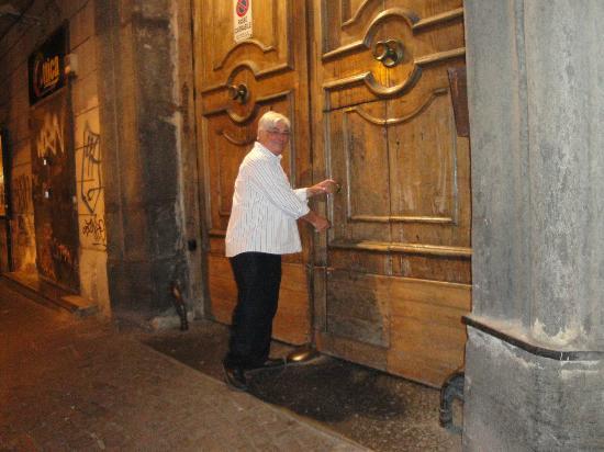 Belle Arti Resort: Great doors!