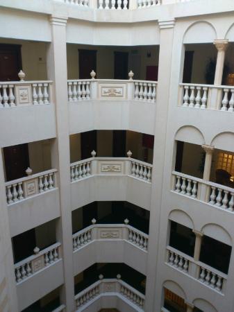 Golden Tulip Serenada Hotel Hamra: Golden Tulip Serenada Hamra - hotel interior