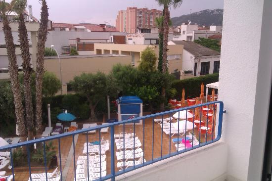 FERGUS Montemar: view of the pool area