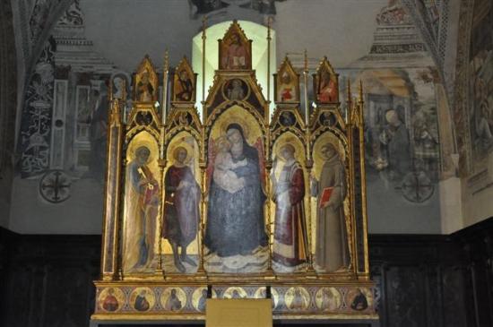 Chiesa di San Giorgio: ...Triptychon von S. di Pietro....