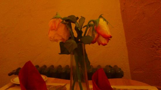 Kilford Arms Hotel: Even the flowers were sad at breakfast