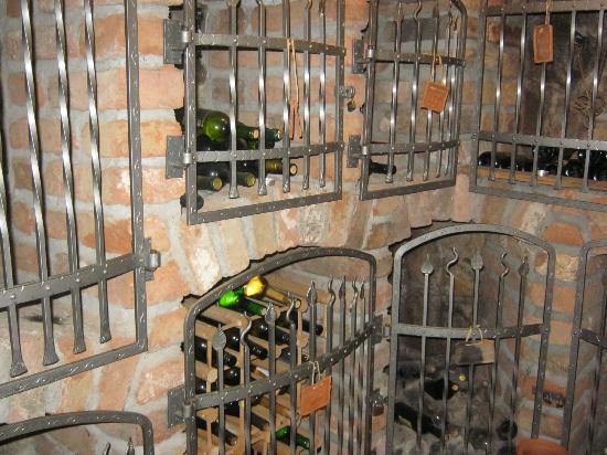 Restaurant in Turisticno Vinogradniska Kmetija Hlebec: wine cellar