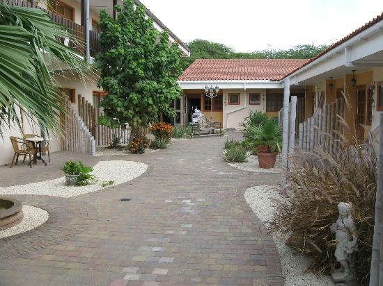 Camacuri Apartments Aruba: Ons straatje