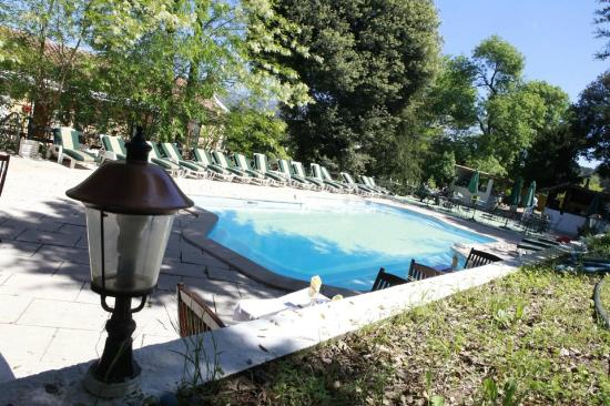 Domaine De La Maillane: piscine