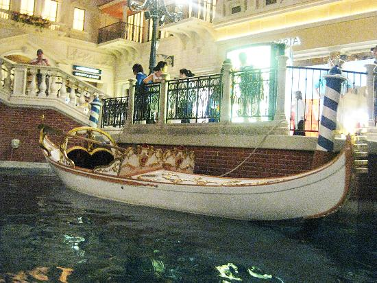 Gondola Rides At The Venetian Wedding You Can Actually Get Married In It