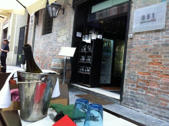 ristorante 051 zerocinquantuno bologna performing - photo#1