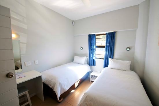 Plett Beachfront Accommodation: Twin en suite room