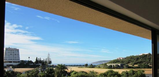 Plett Beachfront Accommodation: View of Robberg Penisula