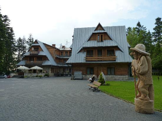 Karolowka Hotel: Rear of the hotel