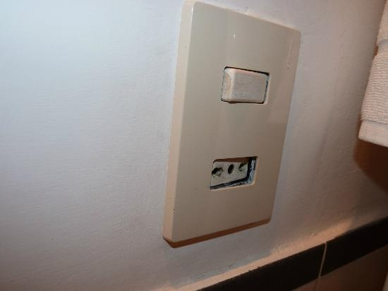 DormiRoma Apartments: Electrical outlets