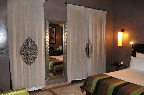 Riad Akka: La chambre