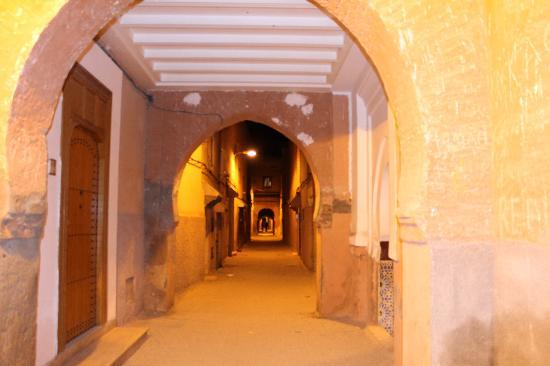 Riad Akka: La ruelle du riad