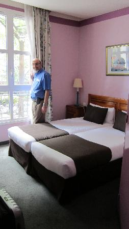 Best Western Paris Italie: Our room